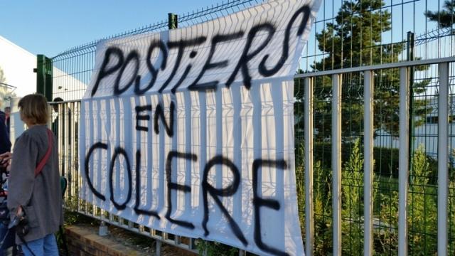 « demain le 15 septembre à 10h au Havre, un cortège spécial Postiers en colère du Havre sera dans la manifestation contre la loi Travail »